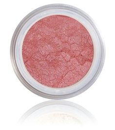 Pink Pepper Pure + Natural Mineral Blush makes cheeks blush a perfect pink flush and subtly highlights with accents of shimmer. The super sexy pink flush gives the effect of a radiant afterglow. The p
