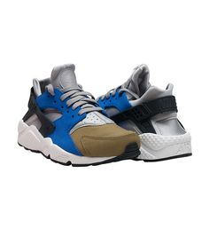 c90c32648e6ff NIKE Air Huarache Run PRM sneaker Low top women s Lace up closure Suede and  stretch materials for ul.