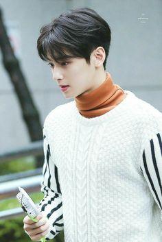 Handsome Korean Actors, Handsome Boys, Korean Star, Korean Men, Cha Eunwoo Astro, Asian Men Hairstyle, Kdrama Actors, Boy Hairstyles, Cute Korean