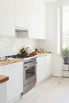 Small Spaces - Tiny Sodermalm Apartment: 1 and a half rooms with a ...