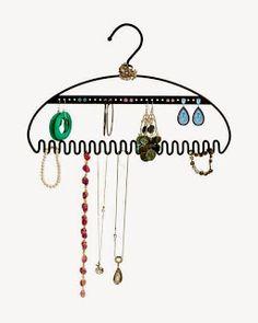 New Age Mama: Hang It Up Jewelry Organizer