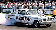Valiant Acapulco, Cool Car Pictures, Plymouth Cars, Plymouth Barracuda, Funny Cars, Vintage Race Car, Drag Cars, Vintage Humor, Car Humor