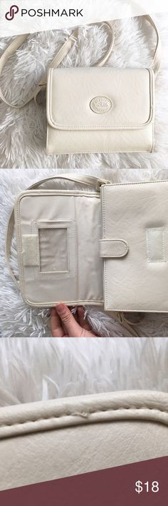 BM ELEGANT COLLECTION PURSE elegant collection purse  there is a super handy - dandy built in wallet super clean , there is one little pulled string , but it's not very noticeable  love this purse but not the price ? please make an offer or bundle for 20% off !! BM elegant collection  Bags Crossbody Bags