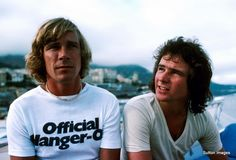 James Hunt and Barry Sheene at Monaco in 1977 James Hunt, Motos Vintage, Jochen Rindt, Motorcycle Racers, Valentino Rossi, Biker Style, Formula One, World Championship, Courses