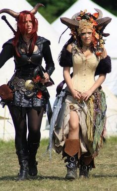 Not sure if these are really barbaric, but they are so cool! I'd love to see them in the costume contest Barbarian Weekend at the Texas Renaissance Festival! Fete Halloween, Halloween Costumes, Satyr Costume, Barbarian Costume, Renaissance Festival Costumes, Fantasy Costumes, Larp, Costume Design, Steampunk