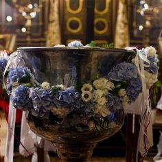 Blue and white flower baptism theme κολυμπήθρα στολισμος