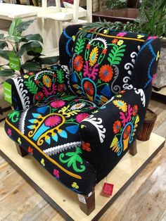 LUV THIS! Bohemian folk-art armchair -- I like the bright colors and floral pattern on a black background. (Chair from Homegoods, shown on Bohemian Decor « Sheri Martin Interiors) Bohemian Interior, Bohemian Decor, Bohemian Room, Bohemian Style, Boho Chic, Modern Bohemian, Boho Gypsy, Shabby Chic, Funky Furniture