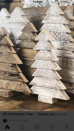 Country Christmas Trees, Christmas Craft Fair, Christmas Crafts To Make, Wooden Christmas Trees, Christmas Door Decorations, Christmas Porch, Rustic Christmas, Christmas Projects, Christmas Sale