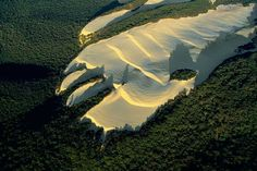 Fraser Island sand dune (aerial photo by  Yann Arthus-Bertrand)