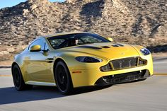 Aston Martin V12 Vantage S First model year with an automatic transmission: 2015 Type of automatic: 7-speed auto-clutch manual