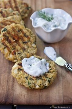 Spinach Feta Quinoa Cakes with Lemon-Dill Yogurt Sauce.