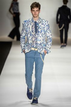 TNG Spring/Summer 2015 by Adriano B. TNG unveiled its Spring/Summer 2015 collection during Fashion Rio. Photos by Zé Takahashi.
