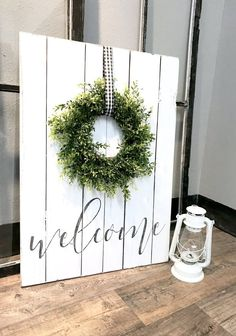 Welcome Sign With Green Wreath – Ella & Eve Diy Wood Signs, Rustic Wood Signs, Rustic Decor, Painted Wood Signs, Fancy Letters, Diy Letters, Welcome Wood Sign, Outdoor Welcome Sign, Welcome Home Signs