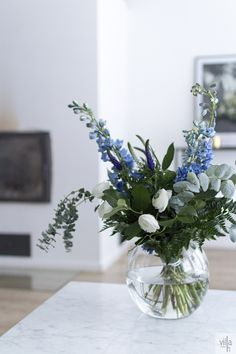 Love the bouquet. Beautiful Bouquet Of Flowers, Flowers Nature, Green Flowers, White Flowers, Beautiful Flowers, Deco Floral, Arte Floral, Flower Vases, Flower Art