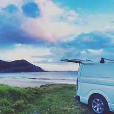 The joys of owning a van.... I wish I could do this full time, nothing better than waking up to views like this.. #vanlife #vandiary#hiace#campervan#openmyworld #lifeofadventure #travel #travelfreedom #wanderlust #wanderaustralia #australia #ig_australia #visitnsw#rsa_outdoors #outside_project #myweekofpurple#seekthepositive #stunning_shot #shinephotochallenge #sunnypicchallenge #jj_skylove #9vaga_skyandviews9 #9vaga_dailytheme9…