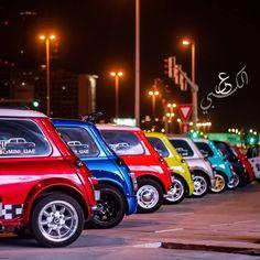 Mini Cooper Custom, Red Mini Cooper, Mini Cooper Classic, Classic Mini, Classic Cars, Custom Vespa, Mini Morris, Cooper Car, Mini Copper