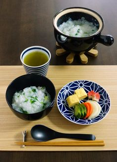 Japanese Porridge & Pickles with Sencha Japanese Dishes, Japanese Food, Japanese Breakfast Traditional, Sushi, Cocinas Kitchen, Eat This, Asian Recipes, Ethnic Recipes, Korean Food