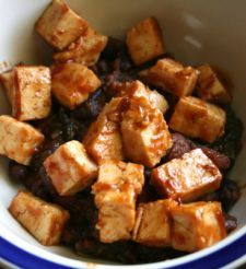 "BBQ Tofu and ""Baked"" Beans - from a blog following the p90x nutrition!!! Although we are trudging through p90x, we aren't following the nutrition guides - this blog makes it seem easier to follow I think, and this actually sounds pretty good! Excited!"