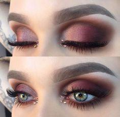 Love this marsala eye makeup, the gold inner corner highlight makes the eyes pop.