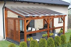 The wooden pergola is a good solution to add beauty to your garden. If you are not ready to spend thousands of dollars for building a cozy pergola then you may devise new strategies of trying out… Design Patio, Backyard Patio Designs, Terrace Design, Pergola Designs, Backyard Landscaping, Garden Design, Pergola Diy, Wooden Pergola, Outdoor Pergola