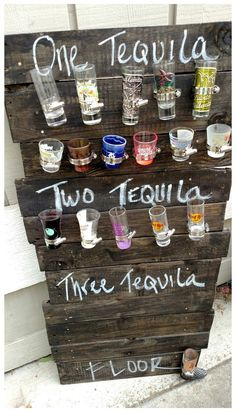 Shot Glass Holder, Glass Holders, Wine Holders, Diy Pallet Projects, Wood Projects, Shot Glasses Display, Glass Display Case, Glass Rack, Man Cave Bar