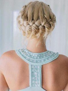 Recogido de trenzas súper original y sencillo.  #trenzas #recogido #cabello #mujer #elegante