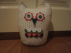 Pretty floral owl doorstop made by Sheila for my hairdressers client.