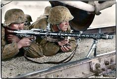 Waffen SS with an MG 34 in Mariupol, Ukraine. German Soldiers Ww2, German Army, Military Photos, Military History, Ww2 History, History Photos, Luftwaffe, Mg34, Invasion Of Poland