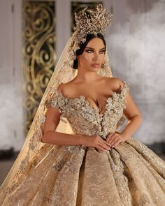 No words to describe this fantastic decor! If you like it as much as we do, show us your big love❤️ . Cheap Lace Wedding Dresses, Stunning Wedding Dresses, Princess Wedding Dresses, Unique Dresses, Dream Wedding Dresses, Beautiful Gowns, Bridal Dresses, Wedding Gowns, Fairytale Gown