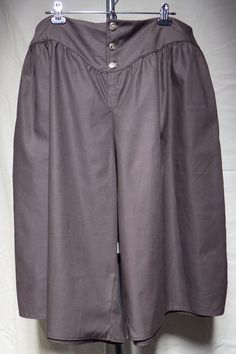 Great for LARP, cosplay, reenactment. Durable and washable twill fabric. Brown Shorts, Metal Buttons, Larp, Cosplay Costumes, Medieval, Fabric, Pants, Closet, Tejido