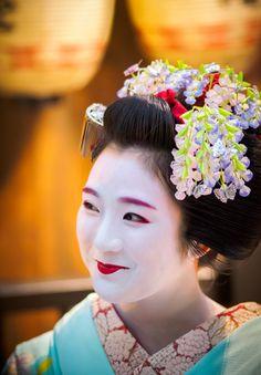 maiko 舞妓 hinayu 雛佑 祇園東 KYOTO JAPAN