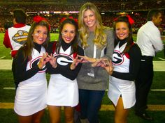 Throwing up the crown with Erin Andrews! TSM.