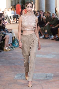 Alberta Ferretti Spring 2018 Ready-to-Wear Collection Photos - Vogue