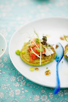 Cannelle et Vanille: Pea pancakes with smoked salmon and a little green soup