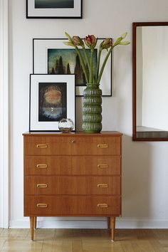 Agency art vase of flowers