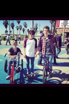 The Vamps. *favorite* + *gasp* I think this was their first time in California, it was before Connor Ball joined.