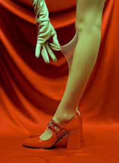 Luv pretty things 'n clever words. Fashion Photography Inspiration, Editorial Photography, Photography Aesthetic, The Frankenstein, Red Aesthetic, Mode Vintage, Mode Inspiration, Looks Cool, Editorial Fashion