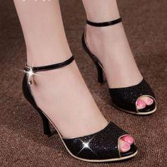 Giày cao gót khóa đá cao cấp H.Q