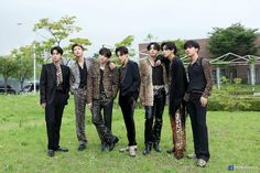 "pia⁷ on Twitter: ""my babies… "" Taehyung, Bts Jungkook, Namjoon, Foto Bts, K Pop Wallpaper, Bts Group Photos, Photo Sketch, Bts Lockscreen, Bts Edits"