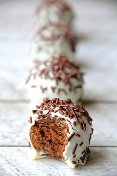 Chocolate Gingerbread Truffles//