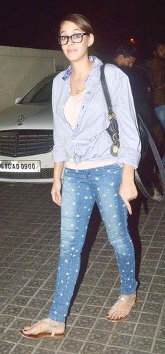 Hazel Keech spotted at a multiplex in Mumbai. #Bollywood #Fashion #Style #Beauty