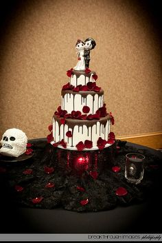 Scary cake!!!! Good for halloween !!