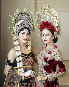 Cambodian Wedding Dress, Malay Wedding Dress, Kebaya Wedding, Bali Wedding, Royal Wedding Gowns, Bridal Wedding Dresses, Designer Wedding Dresses, Thai Traditional Dress, Traditional Wedding