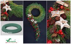Pomysł na świąteczną kompozycję wykonaną na bazie ringu. Praca jest autorstwa Marka Kucharskiego z Wrocławia.  Zapraszamy do naszego sklepu, gdzie możecie kupić różnorodne podstawy pod Wasze świąteczne kompozycje: http://sklep.victoriasponge.eu/