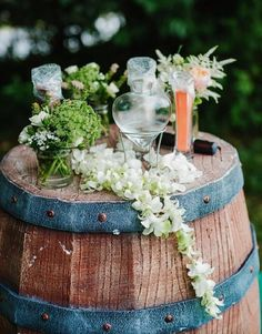 Rustic barrel for during the wedding ceremony |  The Wedding Notebook July 2015