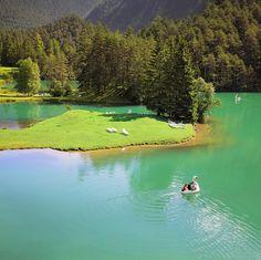 Enjoy a fairytale ride at the emerald Fernsteinsee