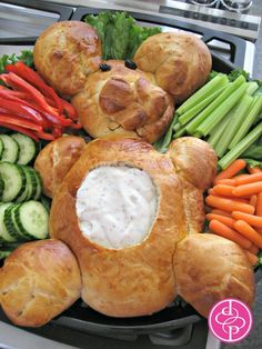 cute, edible display that's great for a neighborhood potluck, kid's classroom party or Easter dinner buffet!