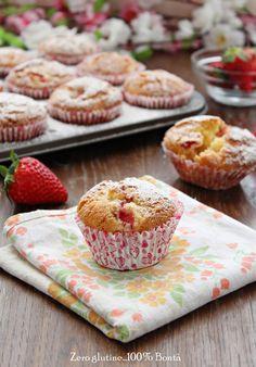 Muffin alle fragole e yogurt al limone ,preparati con solo farine naturalmente senza glutine , i ideali per la colazione o per merenda .