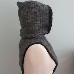 The companion Maid Marion's Hooded Bandana Cowl is located here
