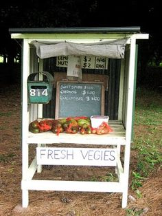 On the way to the beach...roadside fruit and vegetable stands. Just what the kids need to sell all the fruits and veggies they have planted!!!